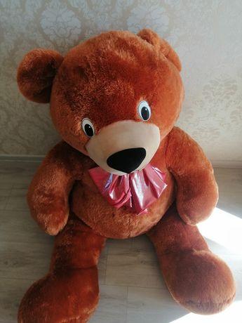 Плюшевый медведь большой