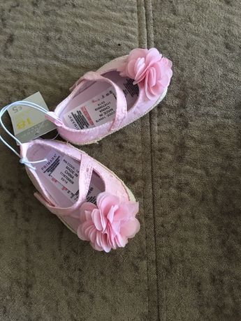 Sapato em Lona Rosa (Novo com etiqueta) 18