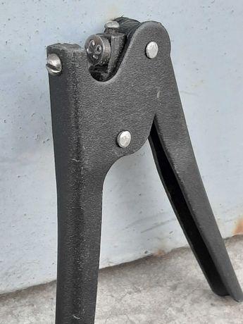 Металлический пломбиратор ( ручной )