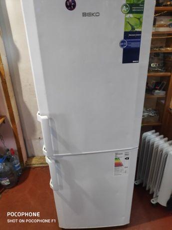 Двухкамерый холодильник BEKO CS-329020