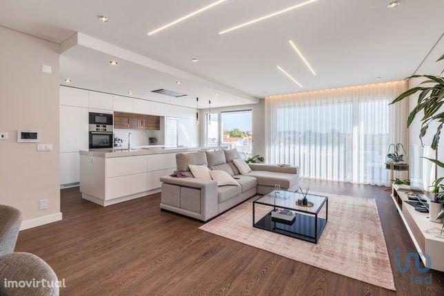Moradia - 344 m² - T4