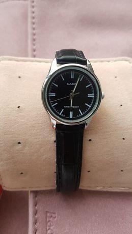 Стильные женские наручные часы Casio чёрные