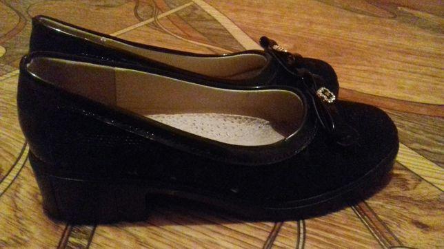Туфли на девочки 33размер