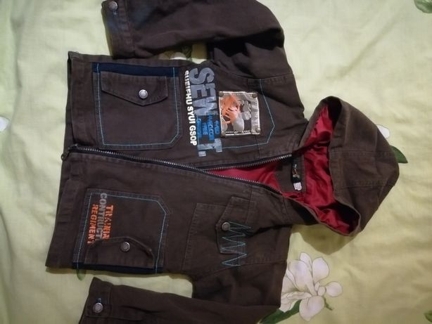 Куртка осенняя 8-9лет