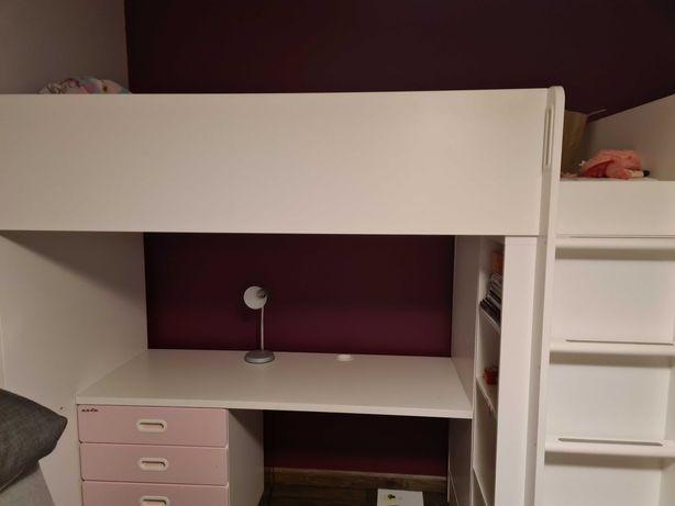 Łóżko dziecięce i biurko