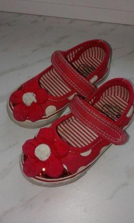 Buty pantofle tenisowki kapcie gratis sandałki bartek