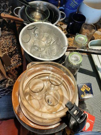 Talerze szklanki kieliszki komplety kawowe