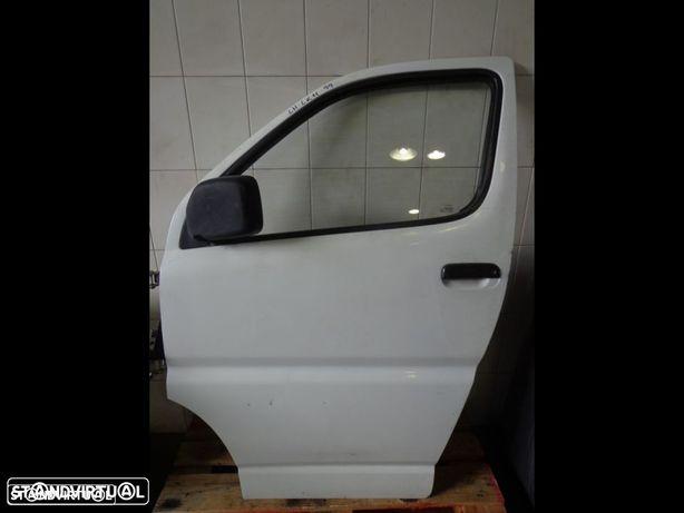 Porta frente esquerda Toyota Hiace LK11