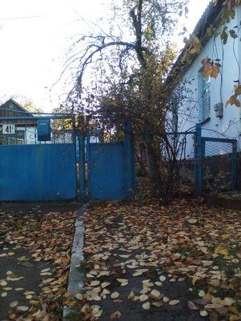 продам дом в центре пгт,Нововоронцовка