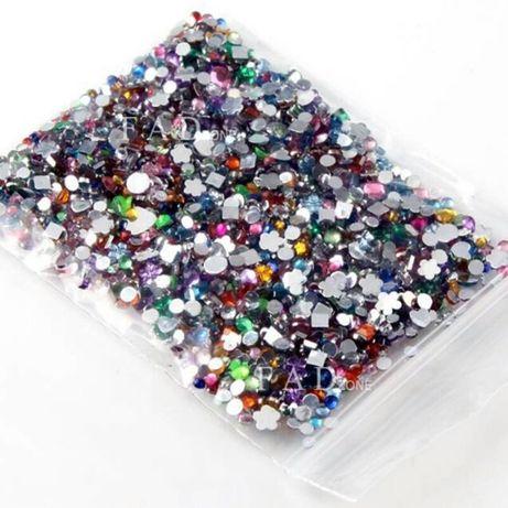 Cyrkonie 400 szt różne kształty i kolory 3D ozdoby na paznokcie