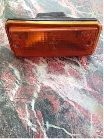 Lampa kierunkowskazu przednia prawa - Fiat 126P