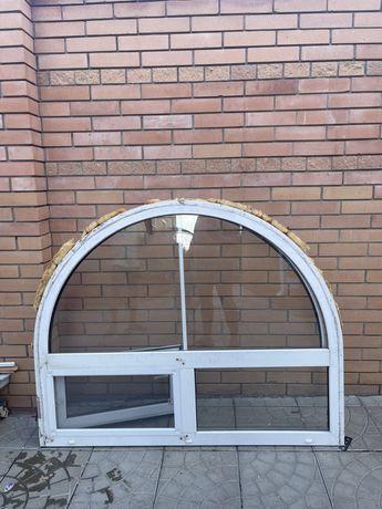 Продам 3 окна аркой  все открываются 146/117.