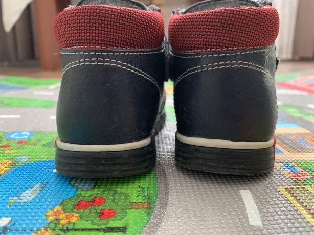 Кожаные демисезонные ботинки на мальчика 23 размер