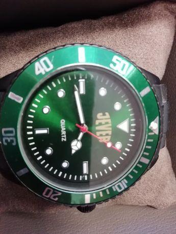 Zegarek męski wskazówkowy