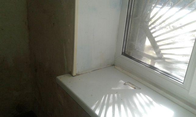 Мойка витрин, мойка зеркальных поверхностей.