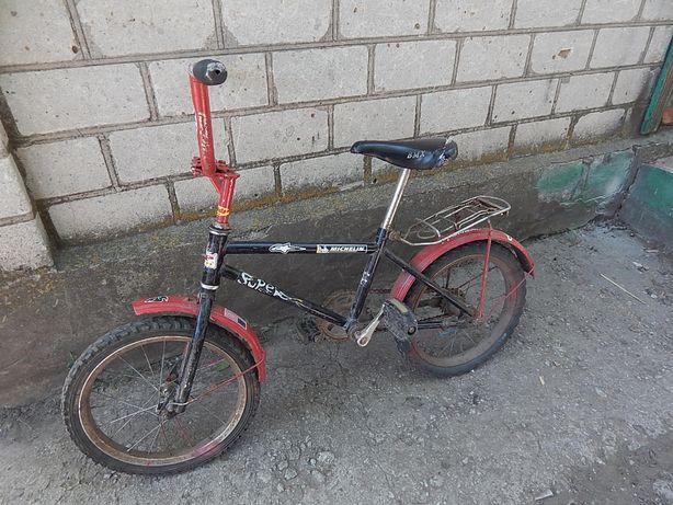 Велосипед детский б/у от 3 лет до 5 лет.