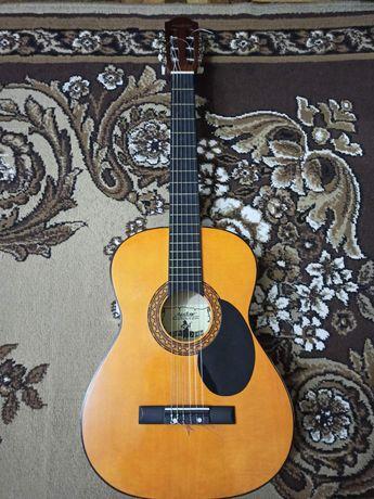 Акустическая гитара Maxstone
