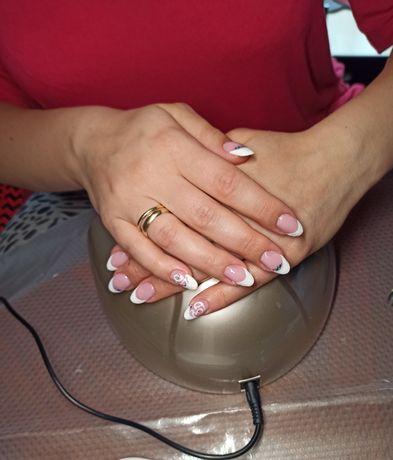 Stylizacja paznokci z dojazdem
