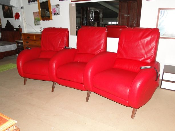 Sofá cinema em couro vermelho - Eléctricos reclináveis - óptimo estado