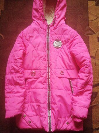Продам куртку зимнюю для девочки