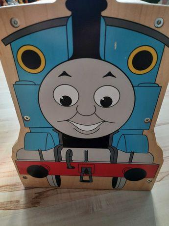 Tomek i przyjaciele garaż drewniany na pociągi