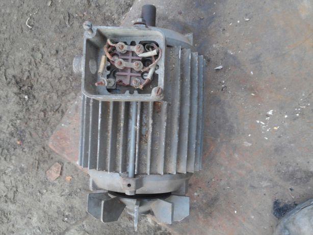 Электродвигатель 2.2квт 1420об