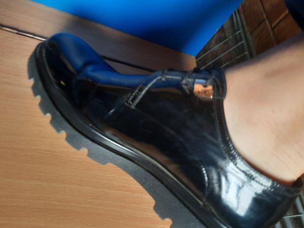 Ботинки натуральный лак+кожа