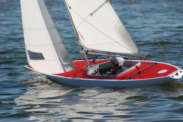 Żaglówka jacht żaglowy klasy 2.4mR, łódź żaglowa proton