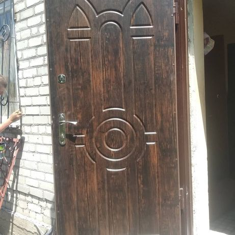 двери металлические , двери входные , бронированные , сварные