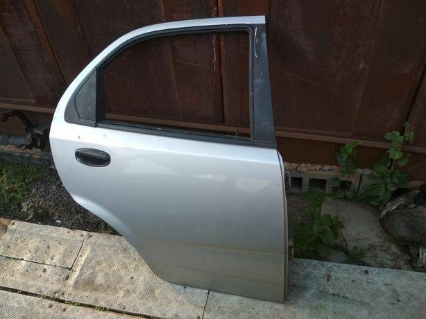 Задняя дверь Шевроле Авео т-200 Chevrolet Aveo