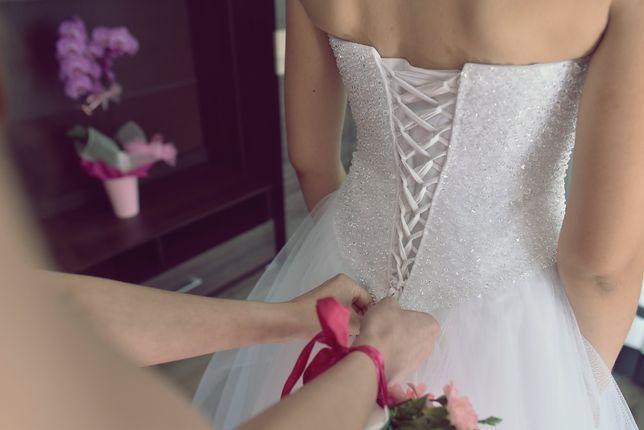 Piekna suknia, niepowtarzalna, cudowna, ślub,