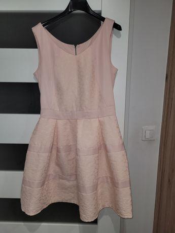 Sukienka różowa r.M
