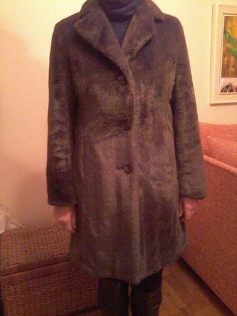 Продам меховое пальто , цвет-коричневый,USA