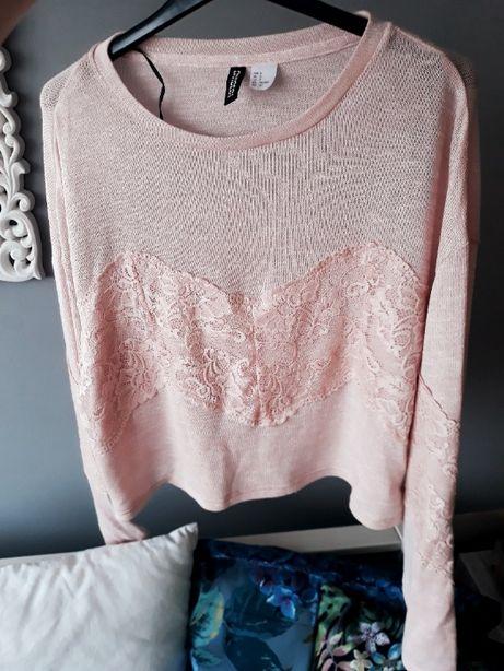krótki sweterk pudrowy róż H&M koronka haft S jak nowy raz założony