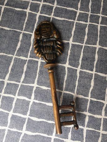 Сувенирный Ключ металический тяжелый коллекционный ключ ключик