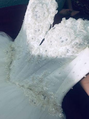 Продам свадебное платье фирма Rosalli
