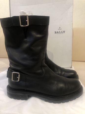Кожаные стильные ботинки Bally