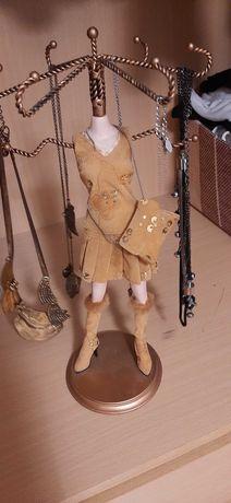 Guarda joias estilo boneca