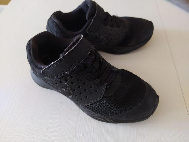 Buty chłopięce sportowe adidasy Nike 28,5