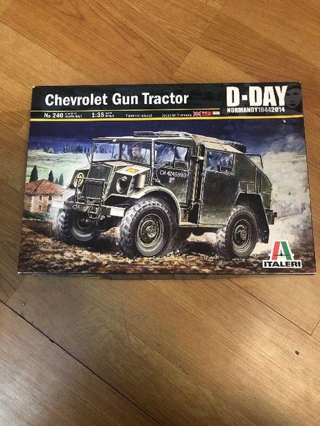 Model do sklejania Italeri 0240 CHEVROLET GUN TRACTOR 1/35