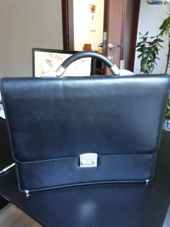 Продам кожаный портфель бренда PETEK