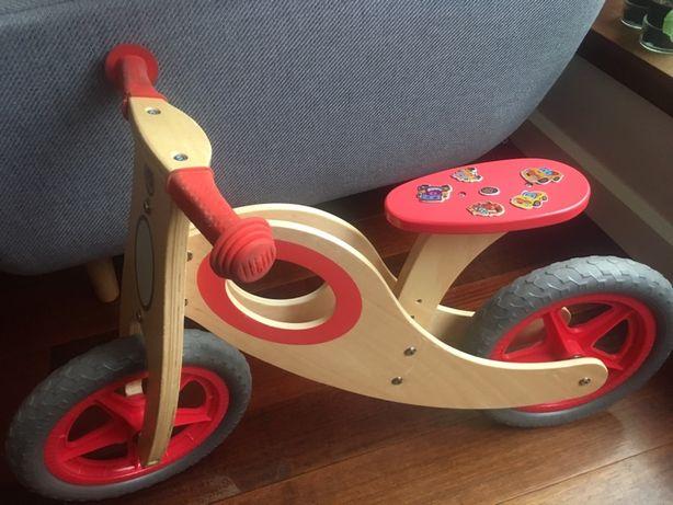 Szwedzki drewniany rowerek biegowy