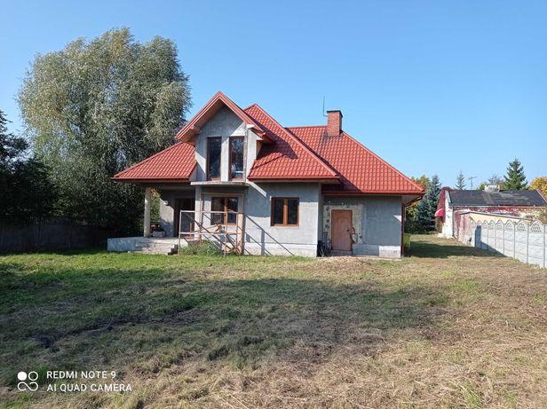 Na sprzedaż dom 143m2 z dużą działką na obrzeżach Skierniewic
