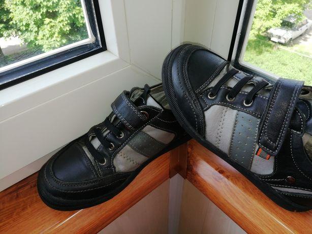 Детские кожаные школьные ботинки, кроссовки 29р.