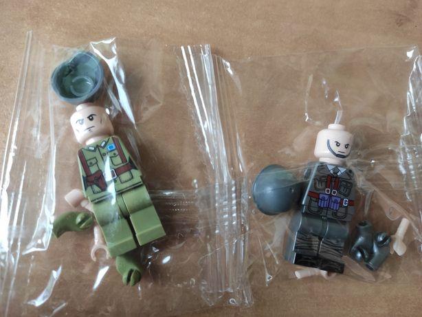 2 figurki typu klocki , żołnierze