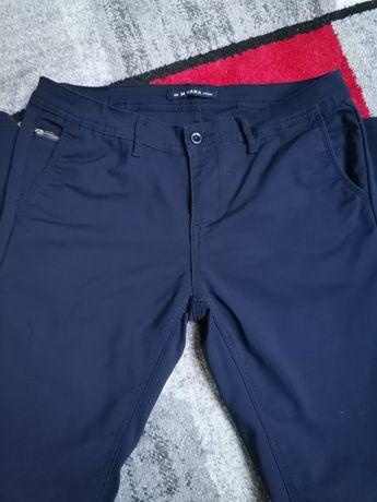ciemne spodnie denim