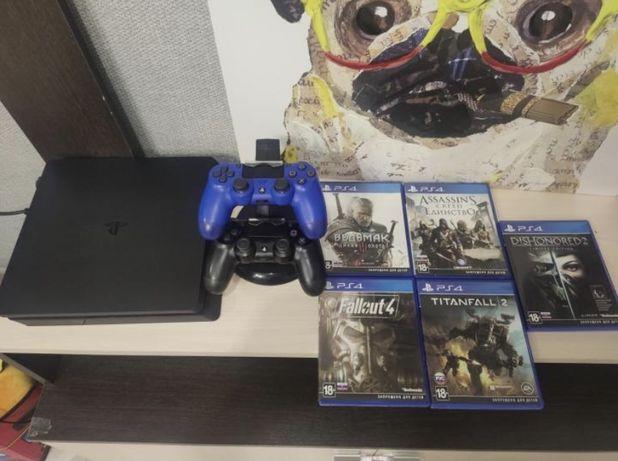 PlayStation 4 slim 500gb + игры + второй джостик