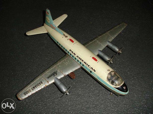 Avião antigo e raro Schuco Pan American Radiant-5600