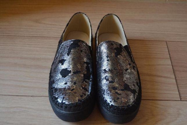 NOWE piękne buty slip on