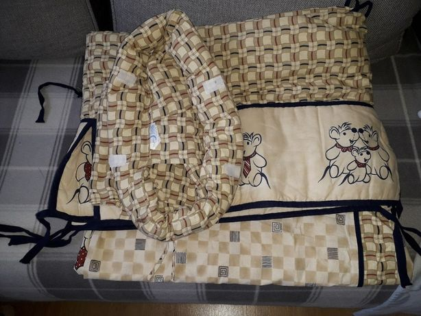 Ochraniacz do łóżeczka z baldachimem
